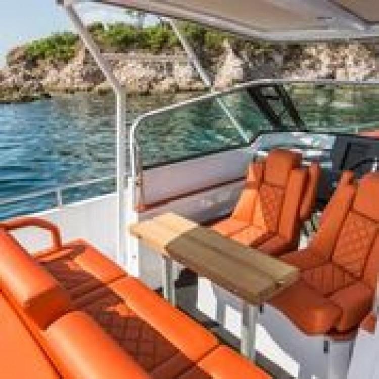 Vermietung Motorboot Axopar mit Führerschein