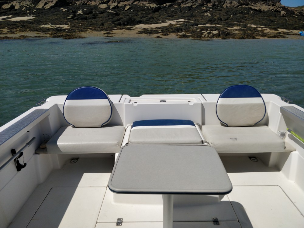 Motorboot mieten in Arradon zum besten Preis