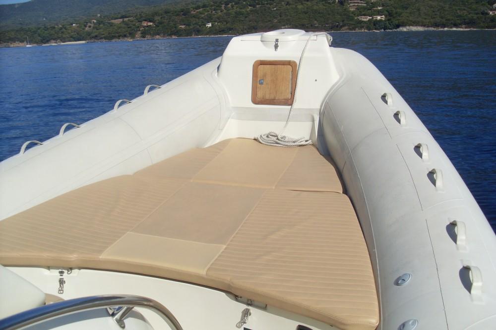 Schlauchboot mit oder ohne Skipper Sacs mieten in Propriano
