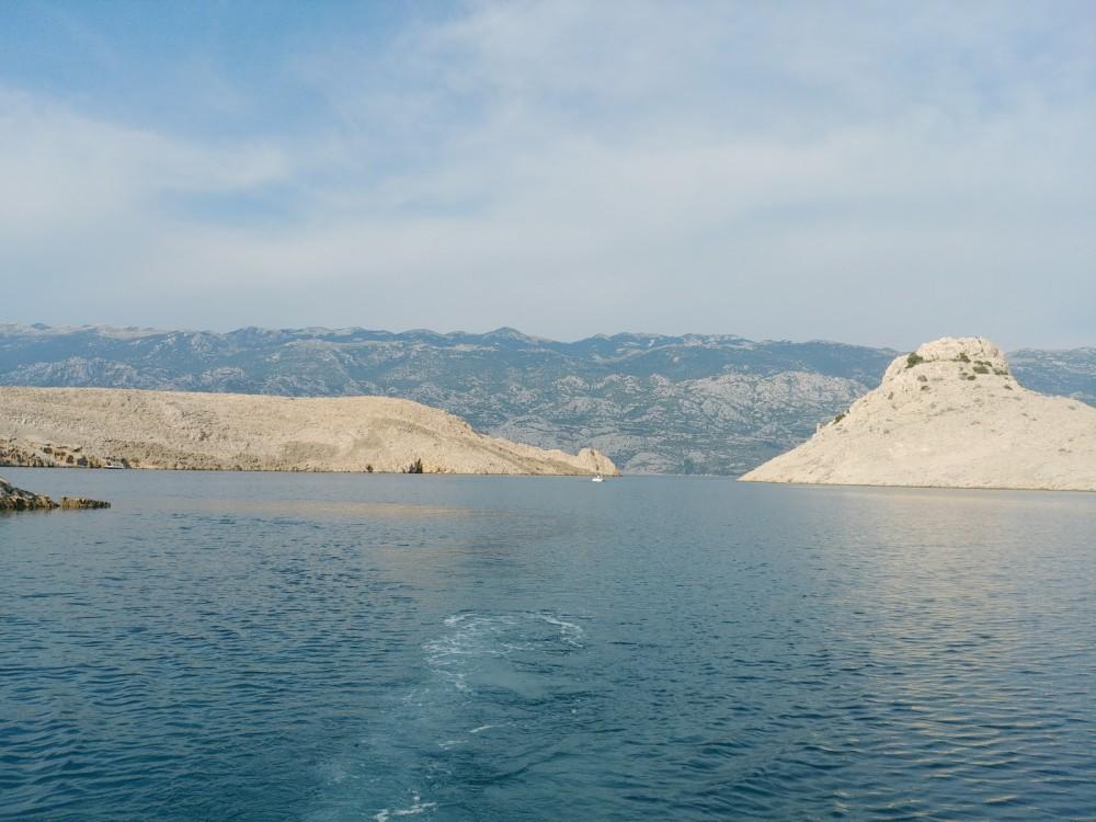 Motorboot mit oder ohne Skipper Elan mieten in Novaglia Vecchia