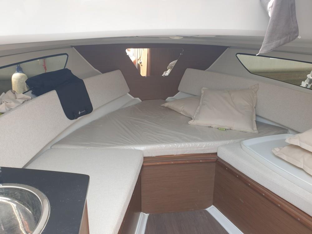 Yacht-Charter in Cogolin - Jeanneau Cap Camarat 7.5 WA auf SamBoat