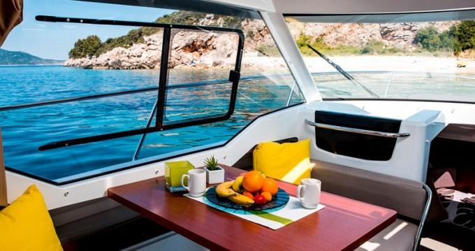 Motorboot mit oder ohne Skipper Jeanneau mieten in Trogir