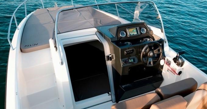 Bootsverleih Trogir günstig Quicksilver 675 Activ Sundeck