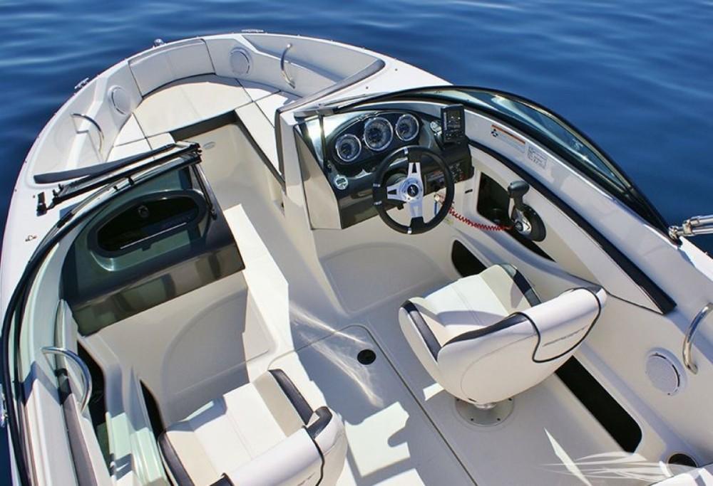 Motorboot mit oder ohne Skipper Sea Ray mieten in Trau