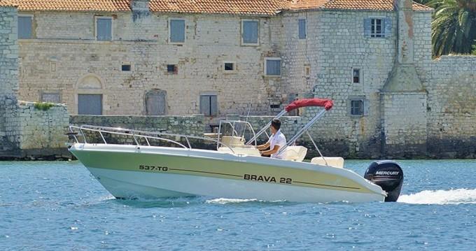 Schlauchboot mit oder ohne Skipper Mingolla mieten in Trogir
