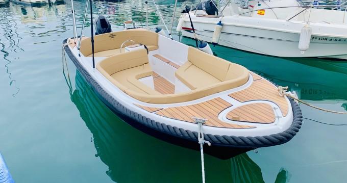 Motorboot mieten in Puerto Deportivo Marina Del Este zum besten Preis
