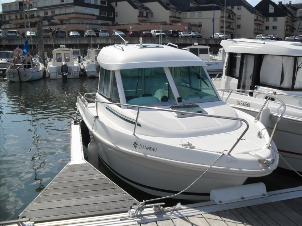 Motorboot mieten in Grandcamp-Maisy zum besten Preis