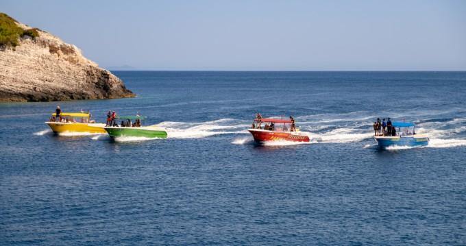 Vermietung Motorboot Enzo mit Führerschein