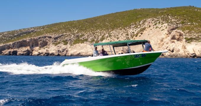 Motorboot mit oder ohne Skipper Enzo mieten in Split