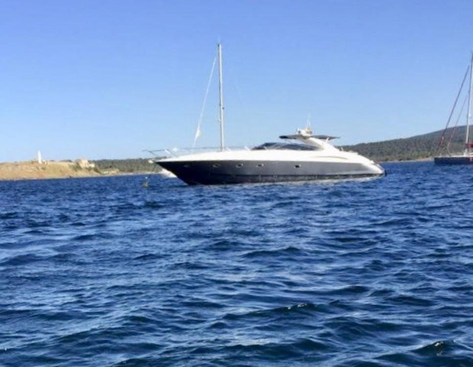 Motorboot mit oder ohne Skipper Sunseeker mieten in Castelló d'Empúries