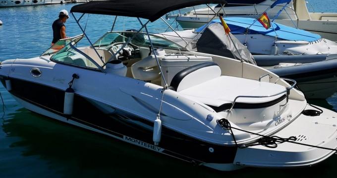Monterey 263 Explorer zwischen Privatpersonen und professionellem Anbieter Ibiza Island
