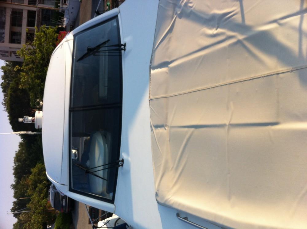 Motorboot mieten in Saint-Laurent-du-Var zum besten Preis