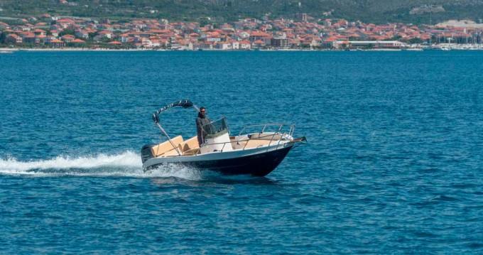 Ein Capelli Cap 20 mieten in Trogir