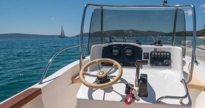 Vermietung Motorboot Capelli mit Führerschein