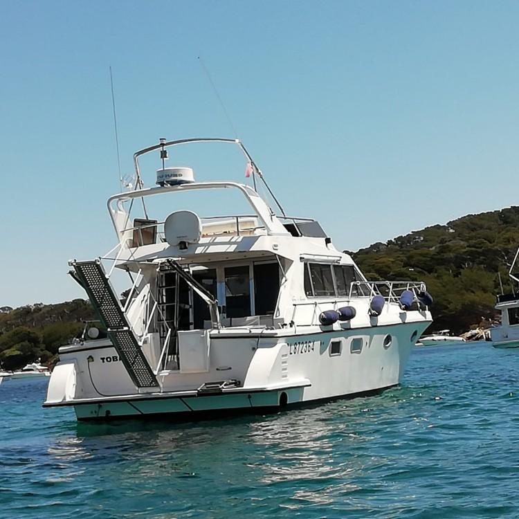 Motorboot mit oder ohne Skipper Guy Couach mieten in Hyères