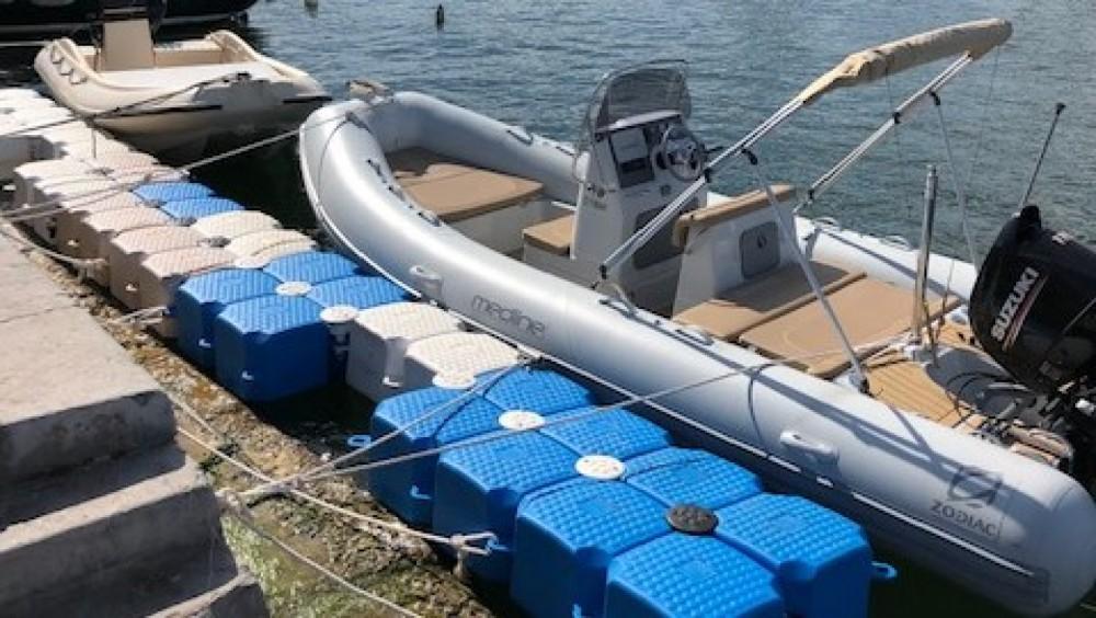 Schlauchboot mieten in Sète - Zodiac Medline 580
