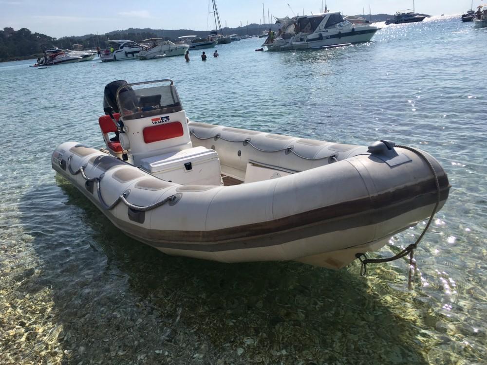Schlauchboot mit oder ohne Skipper Valiant mieten in Hyères