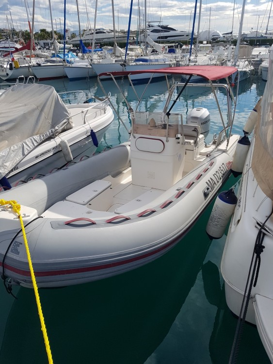 Schlauchboot mieten in Saint-Laurent-du-Var - Bwa Six One
