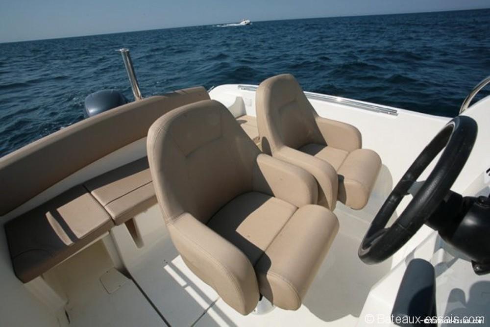 Motorboot mieten in La Trinité-sur-Mer - Jeanneau Cap Camarat 6,5