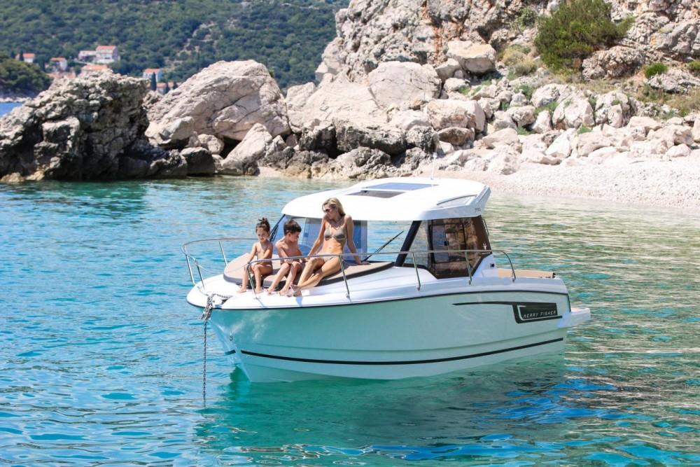 Motorboot mieten in La Trinité-sur-Mer zum besten Preis
