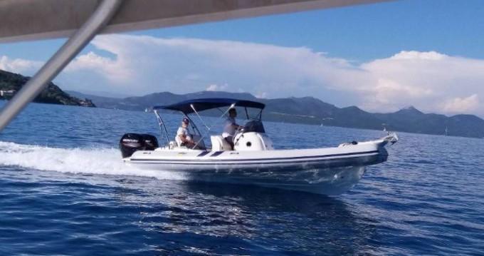 Schlauchboot mit oder ohne Skipper Colbac mieten in Lefkada (Island)