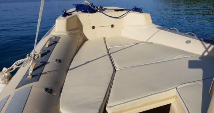 Solemar Offshore 25 zwischen Privatpersonen und professionellem Anbieter Lefkada (Island)