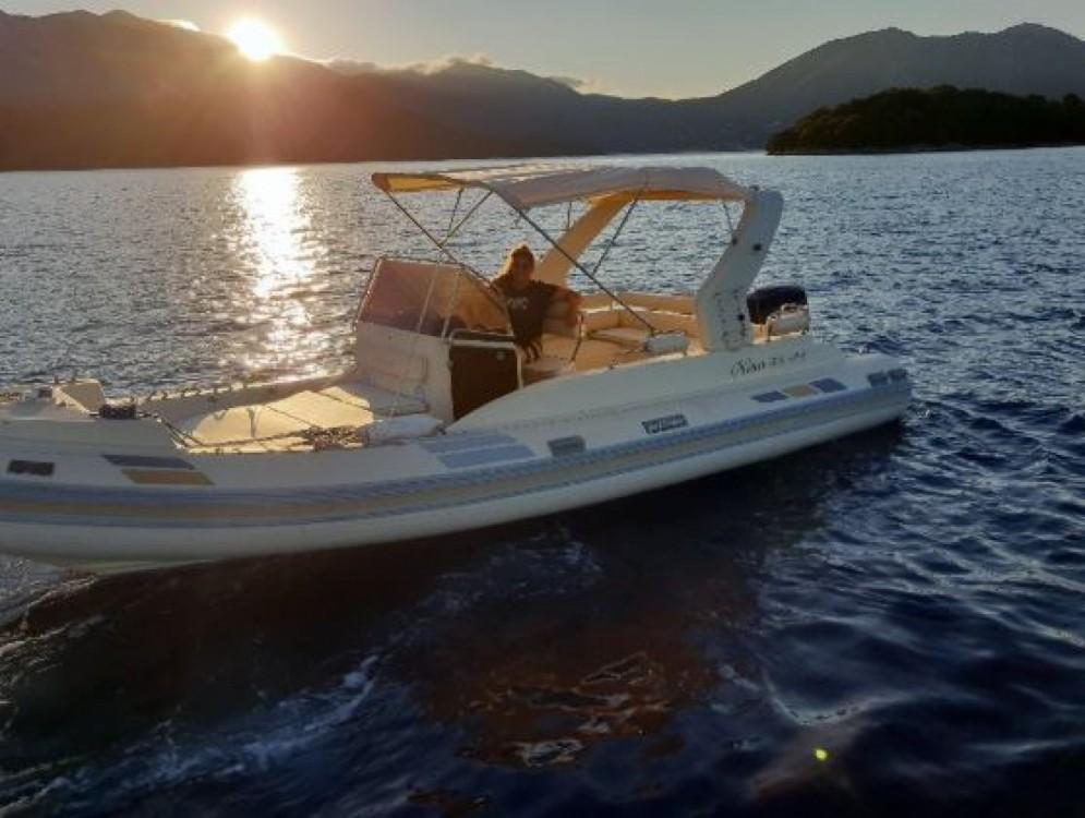Schlauchboot mit oder ohne Skipper Solemar mieten in Nydri