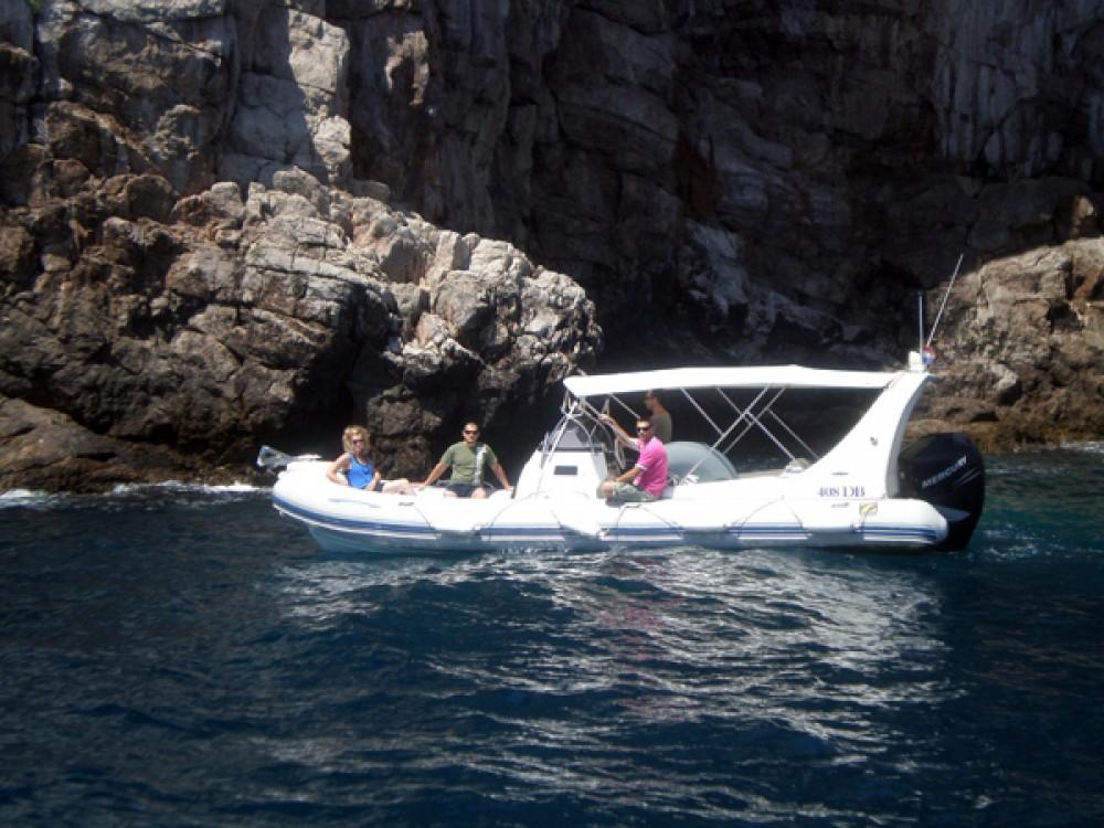 Zodiac 409 DB zwischen Privatpersonen und professionellem Anbieter Dubrovnik