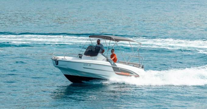 Motorboot mit oder ohne Skipper Bénéteau mieten in Trogir