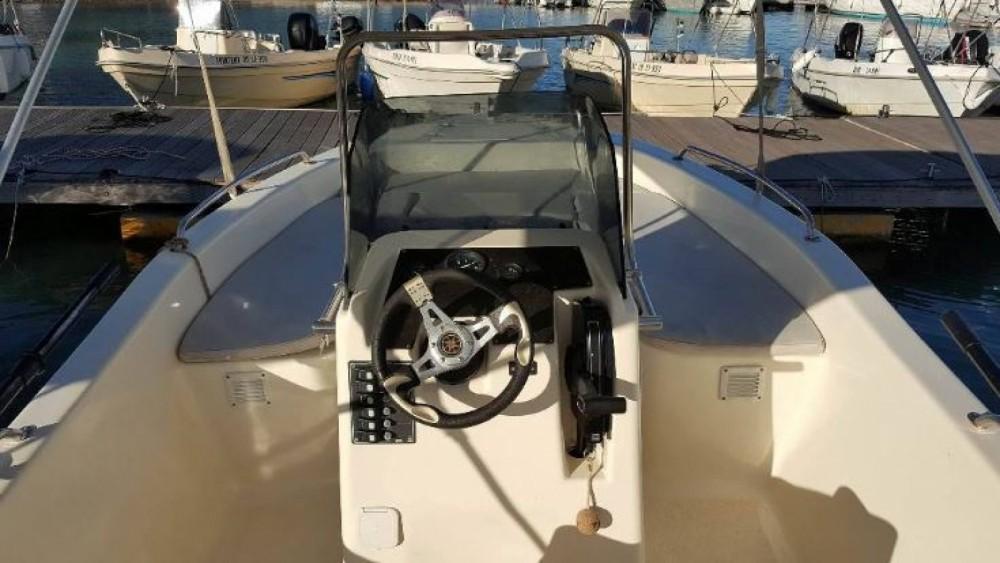 Vermietung Motorboot Yoly mit Führerschein