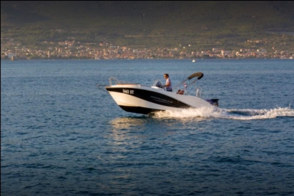 Barracuda 545 zwischen Privatpersonen und professionellem Anbieter Split