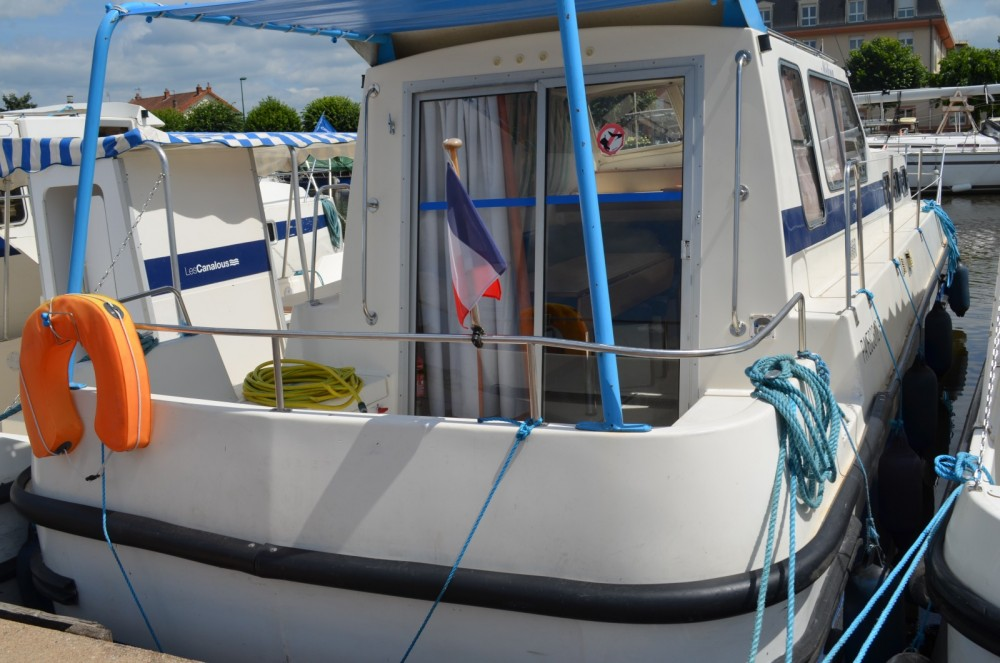 Yacht-Charter in  - Les Canalous Triton 1050 auf SamBoat