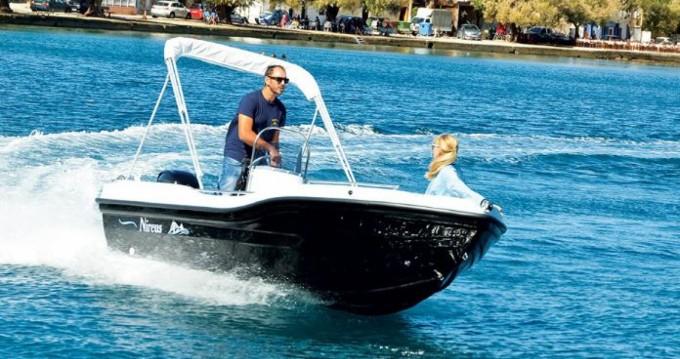 Vermietung Motorboot Nireus mit Führerschein