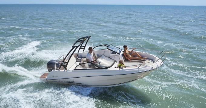 Motorboot mit oder ohne Skipper Jeanneau mieten in Sciez