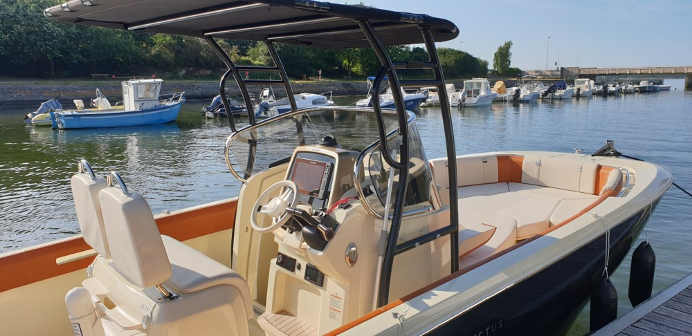 Motorboot mieten in Vannes zum besten Preis