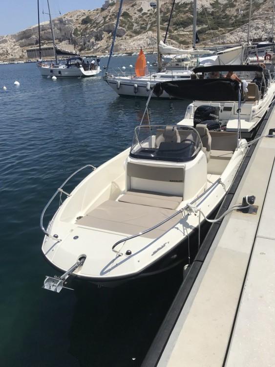 Quicksilver Activ 605 Open zwischen Privatpersonen und professionellem Anbieter Marseille