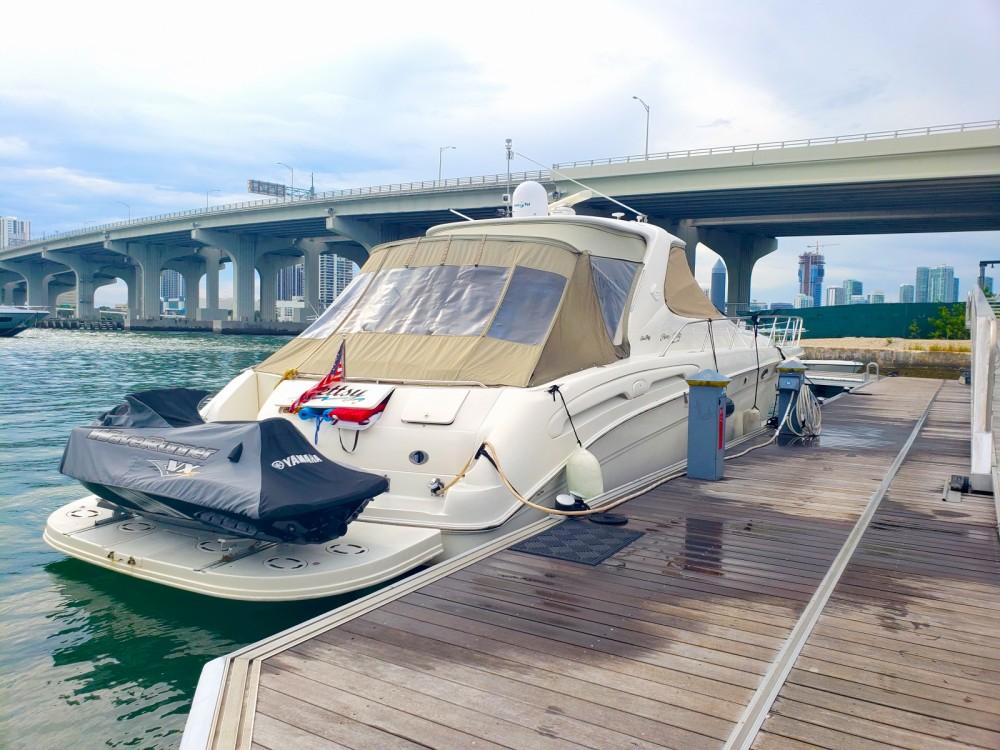 Yacht-Charter in Miami - Sea Ray Sea Ray 555 Sundancer auf SamBoat