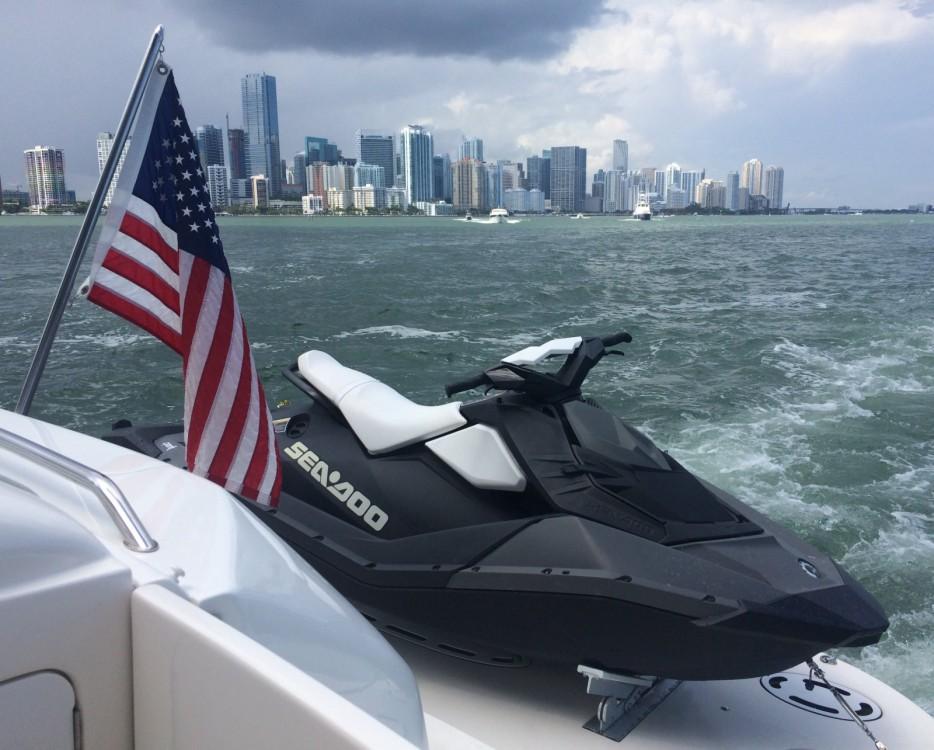 Vermietung Yachten Sea Ray mit Führerschein