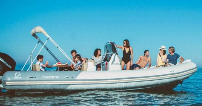 Bootsverleih Zodiac Medline 740 Port du Crouesty Samboat