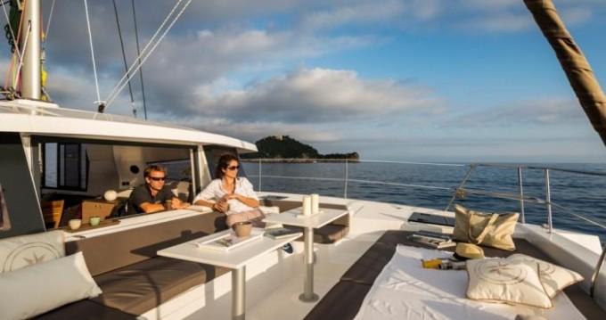 Bali Catamarans Bali 4.1 zwischen Privatpersonen und professionellem Anbieter Milazzo