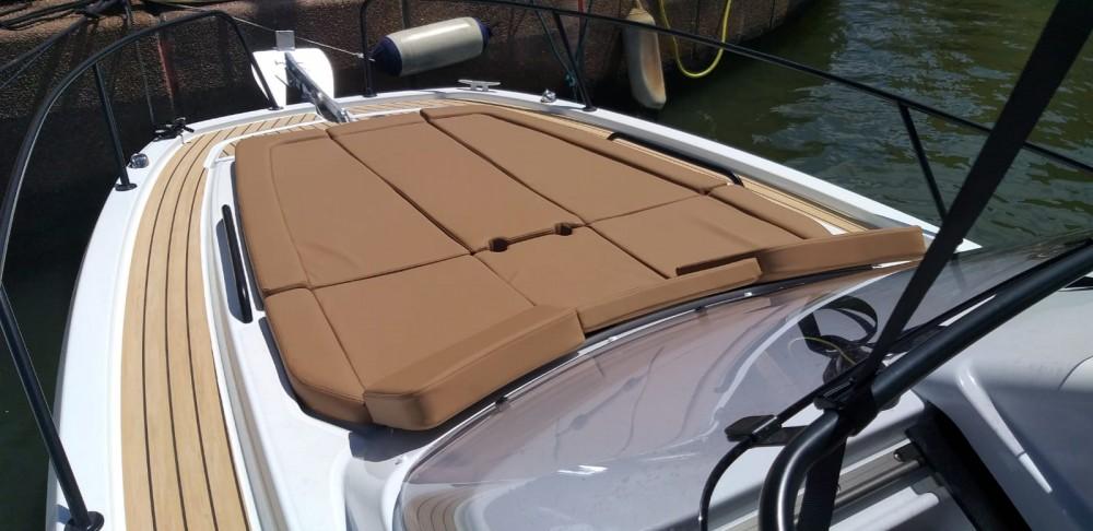 Yacht-Charter in Cogolin - Bénéteau Flyer 8 Sun Deck auf SamBoat