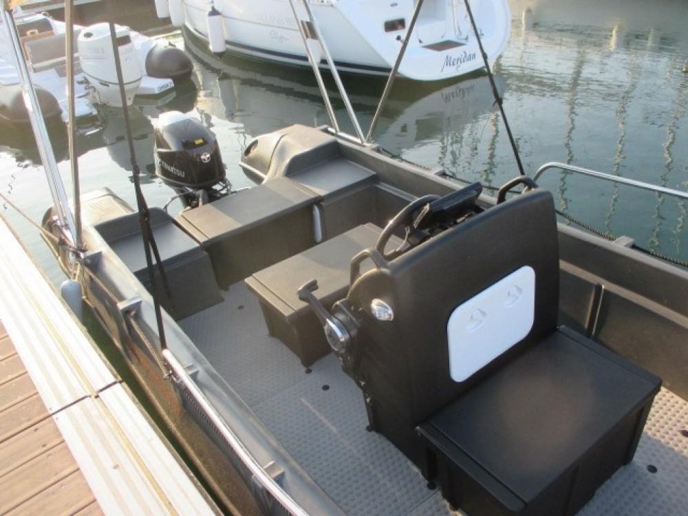 Schlauchboot mit oder ohne Skipper Whaly mieten in Arzon