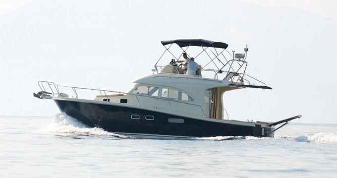 Motorboot mit oder ohne Skipper Damor mieten in Trogir
