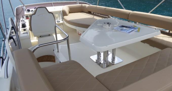 Motorboot mit oder ohne Skipper Azimut mieten in Cannes