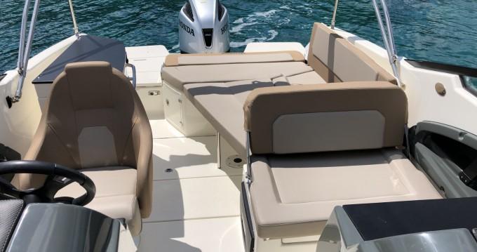 Motorboot mit oder ohne Skipper Quicksilver mieten in Tisno
