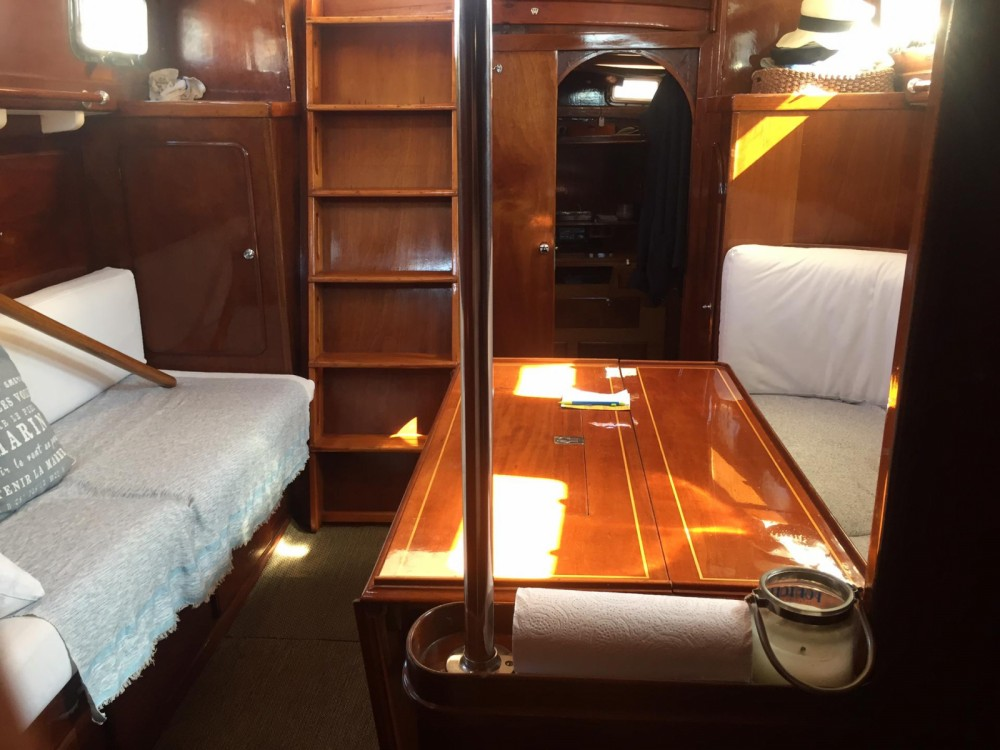 Yacht-Charter in Lorient - SLOOP BERMUDIEN CLASSIC LAURENT GILES MONOTYPE N°553 auf SamBoat
