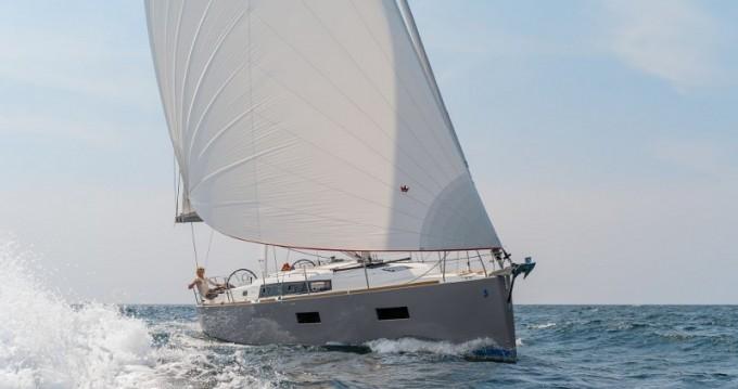 Bénéteau Oceanis38 zwischen Privatpersonen und professionellem Anbieter Torrevieja