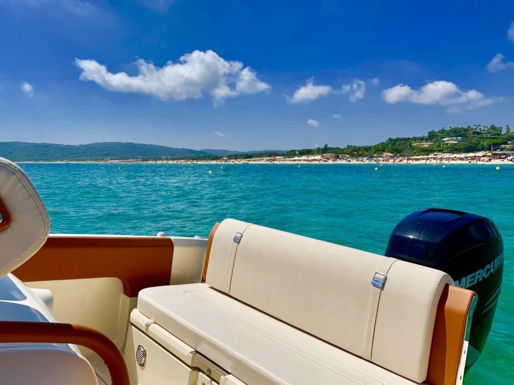 Motorboot mit oder ohne Skipper Invictus  mieten in Cannes