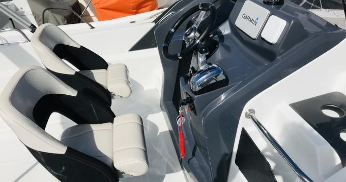 Motorboot mieten in Nouméa zum besten Preis
