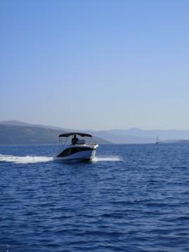 Okiboats Barracuda 545 Open zwischen Privatpersonen und professionellem Anbieter Trogir